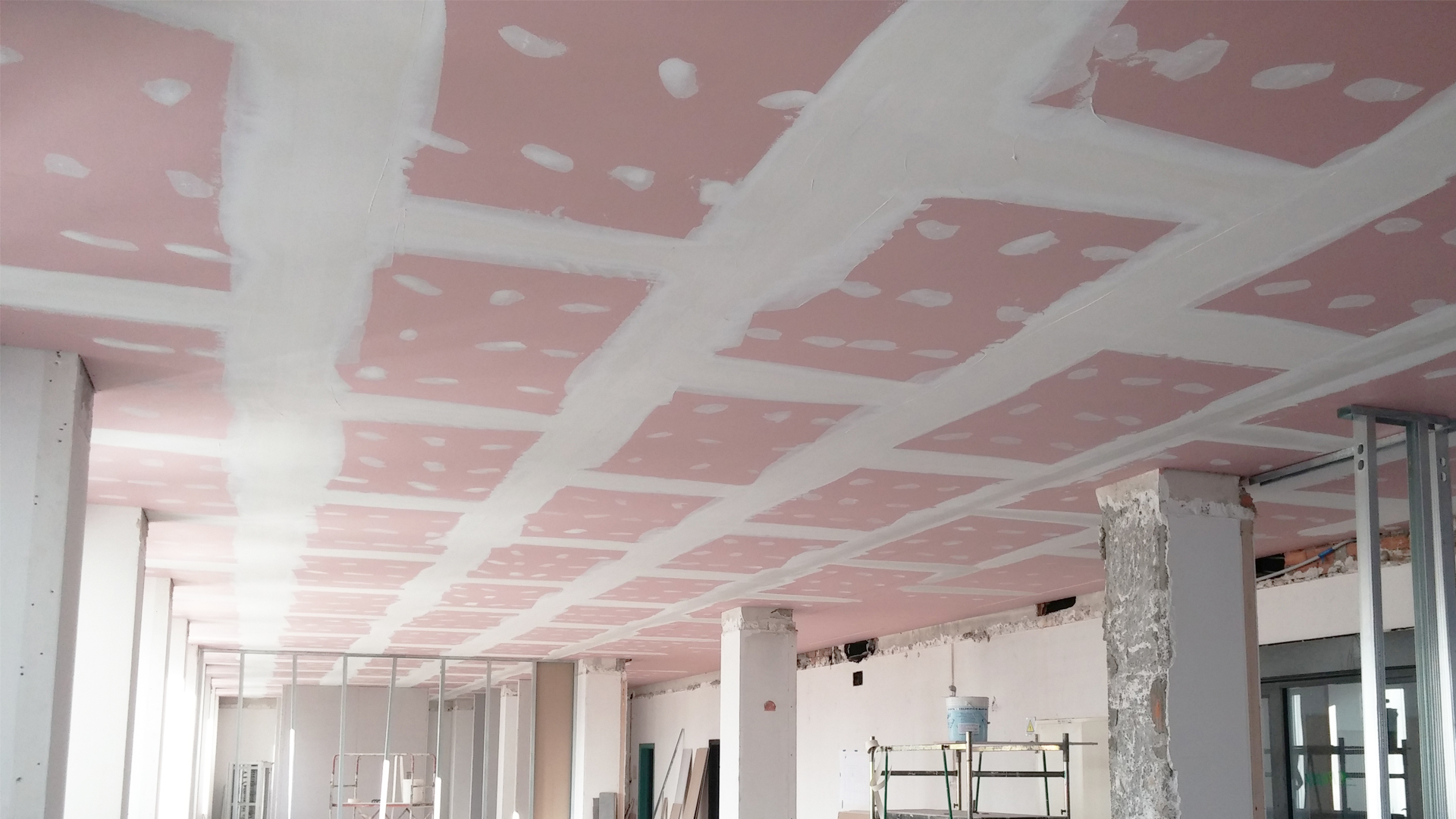 RIQUALIFICAZIONE SOFFITTO IN LATERO-CEMENTO CON CONTROSOFFITTO REI 120 in ADERENZA
